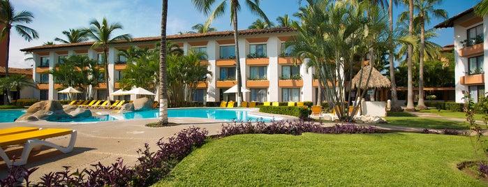 Plaza Pelicanos Club Beach Resort is one of Tempat yang Disukai Julio.