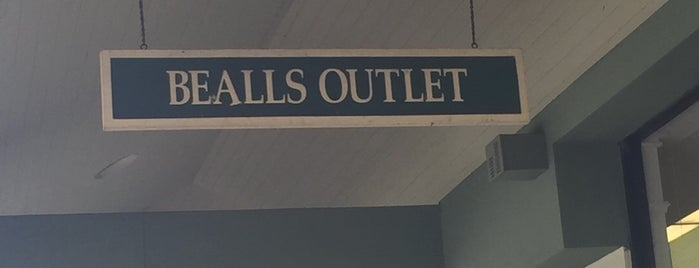 Bealls Outlet is one of Lieux qui ont plu à Dawn.