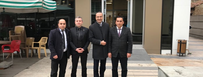 Meşhur Salihli Odun Köfte Mehmet Çakar is one of basakks'ın Beğendiği Mekanlar.