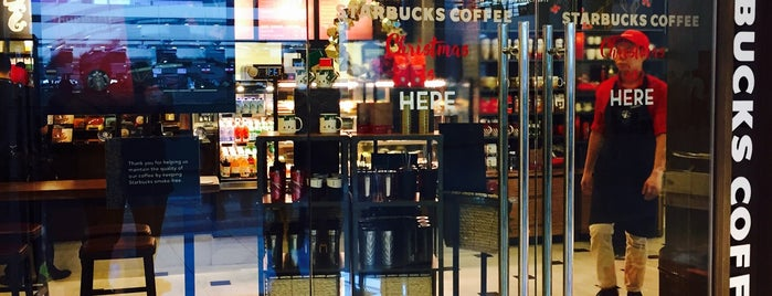 Starbucks is one of Lieux qui ont plu à 冰淇淋.