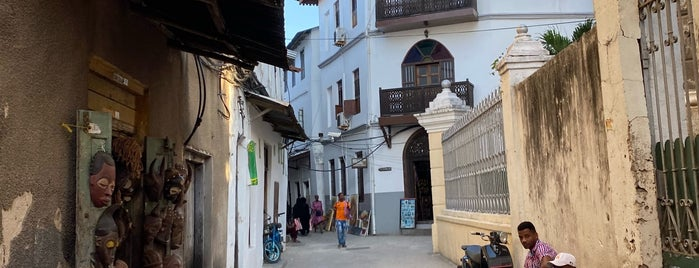 Stone Town is one of Tempat yang Disukai Oxana.