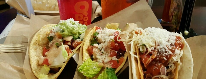 Qdoba Mexican Grill is one of Ulyssesさんのお気に入りスポット.