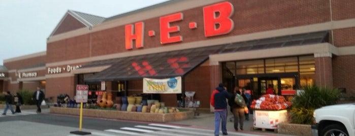 H-E-B is one of Divyaさんのお気に入りスポット.