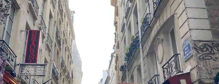 Sorbonne is one of Locais curtidos por Kiberly.