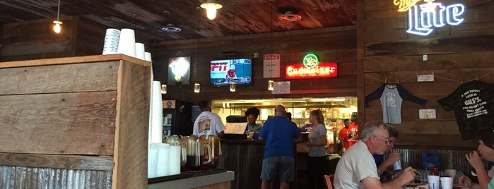 Gus's World Famous Fried Chicken is one of Restaurant To-Do List 2.