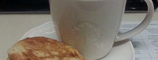 Starbucks is one of Orte, die Aaliyah gefallen.