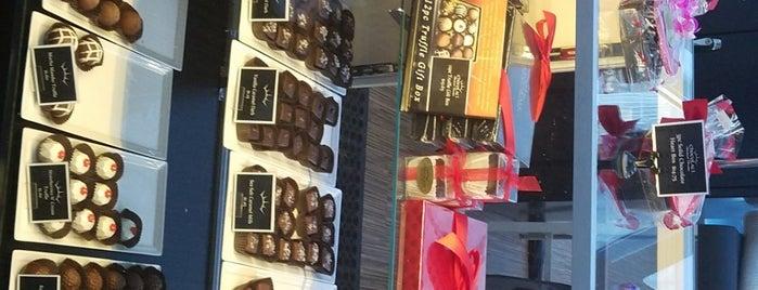 Chocolati is one of สถานที่ที่ Tyler ถูกใจ.