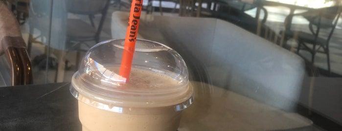 Gloria Jean's Coffees is one of Orte, die ahmet gefallen.