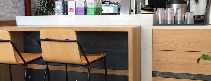 Hala Coffee & Kitchen is one of Lieux qui ont plu à Laura.
