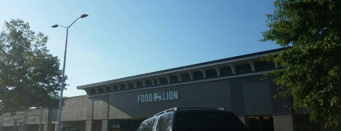 Food Lion Grocery Store is one of Tempat yang Disukai h.