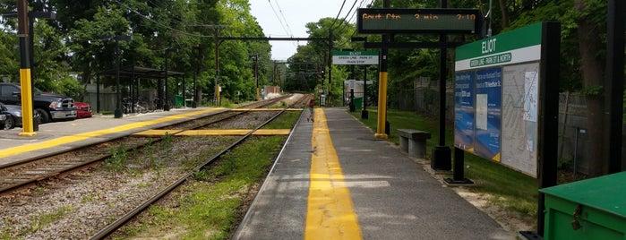 MBTA Eliot Station is one of Lugares guardados de Reyner.