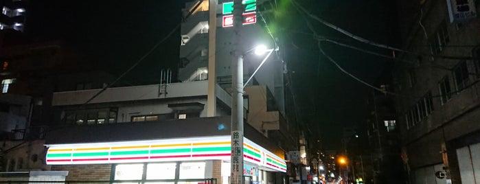 7-Eleven is one of Lieux qui ont plu à Horimitsu.