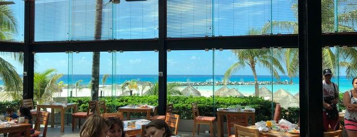 Krystal Grand Punta Cancún is one of Alma : понравившиеся места.