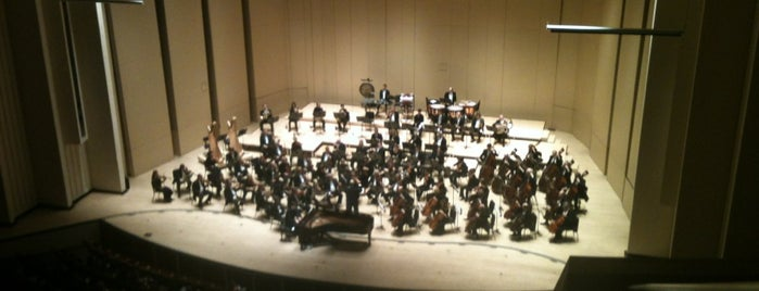 Atlanta Symphony Hall is one of Orte, die Melinda gefallen.