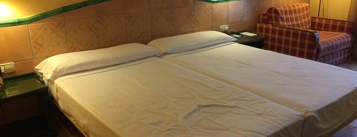 Hotel Milenio is one of Lugares favoritos de Wendy.