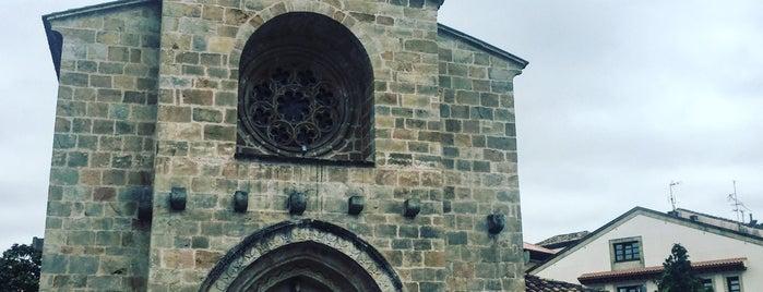 Iglesia Santa María de la Oliva is one of Les chemins de Compostelle.