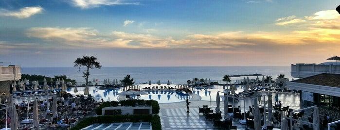 Litore Resort Hotel & Spa is one of สถานที่ที่ kafama da ถูกใจ.