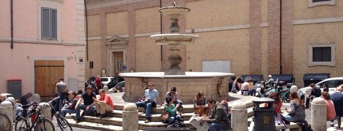 Piazza della Madonna dei Monti is one of * GEÇİYORDUM UĞRADIM *.