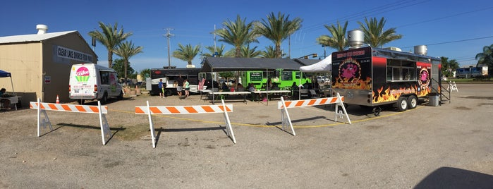 Clear Lake Shores Food Truck Park is one of Posti che sono piaciuti a ESTHER.
