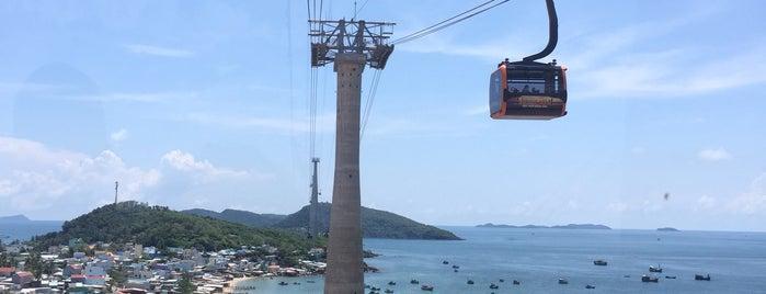 Cáp Treo Hòn Thơm – Phú Quốc Cable Car is one of สถานที่ที่ Henry ถูกใจ.