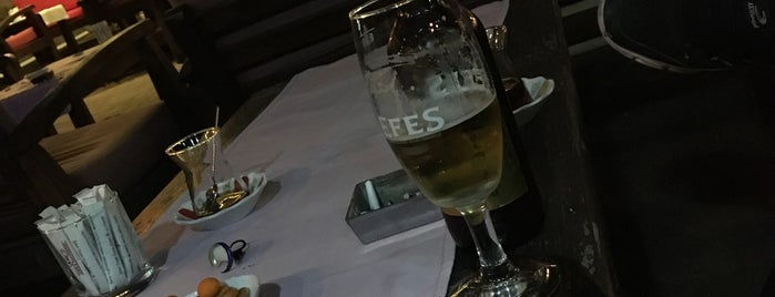 Küll Cafe Restaurant is one of zekiyeさんのお気に入りスポット.