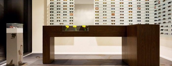 specs berlin is one of Testen: Shopping.
