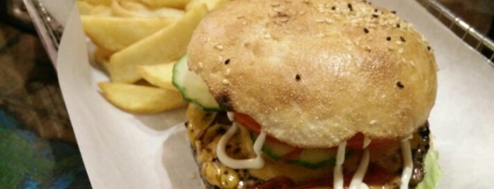 Triple B - Beef Burger Brothers is one of Tempat yang Disimpan Adam.
