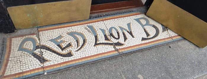 Red Lion is one of Aberdeen pub crawl.