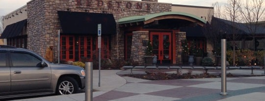 Redstone American Grill is one of Lugares favoritos de Kevin.