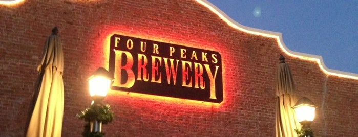 Four Peaks Brewing Company is one of Locais salvos de Cynthia.