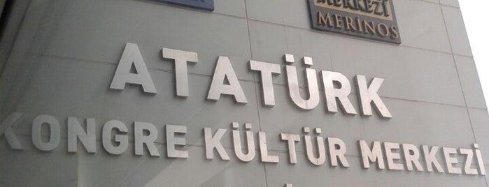 Atatürk Kongre Kültür Merkezi is one of Lugares favoritos de Olcay.