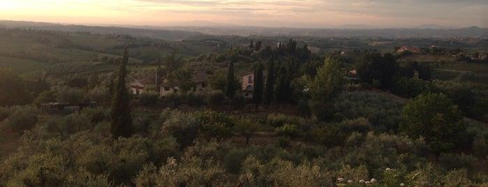 San Gimignano is one of Bram'ın Beğendiği Mekanlar.