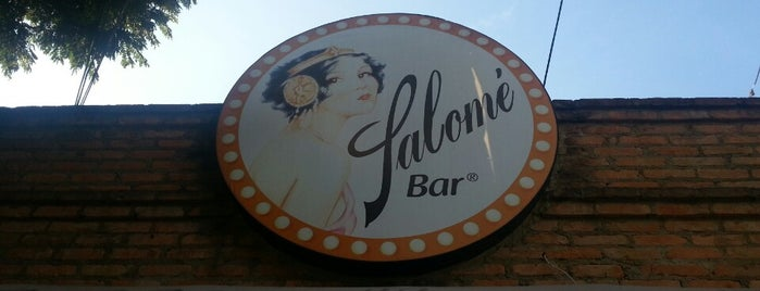 Salomé Bar is one of Locais curtidos por Gustavo.