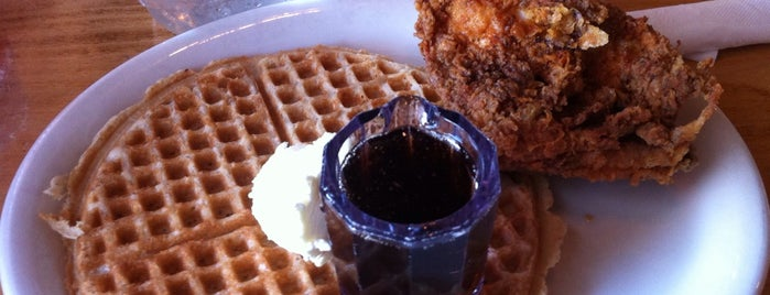 Lo-Lo's Chicken & Waffles is one of Phoenix AZ.