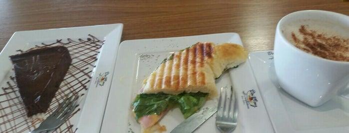 Da May Café e Confeitaria is one of Tempat yang Disukai Aline Carolina.