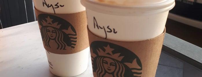 Starbucks is one of Ekrem : понравившиеся места.