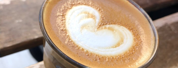 Cafe Regina is one of Orte, die José gefallen.