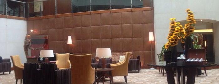 Hotel Regent Warsaw is one of Orte, die Pawel gefallen.