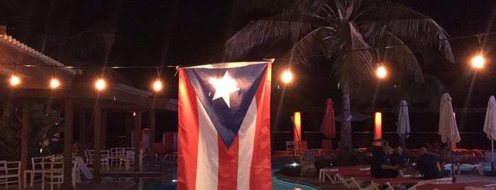Vivo Beach Club, Isla Verde is one of Locais curtidos por Norah.