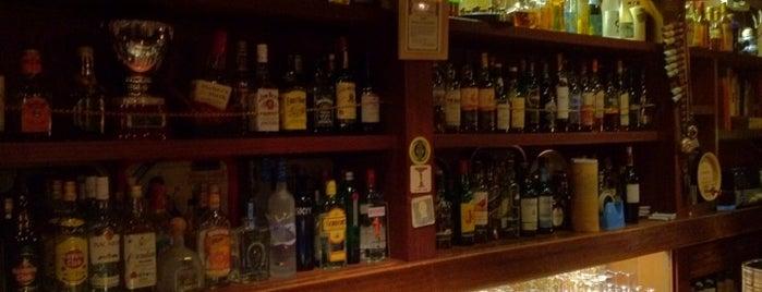 Bar やまざき is one of สถานที่ที่ txt ถูกใจ.