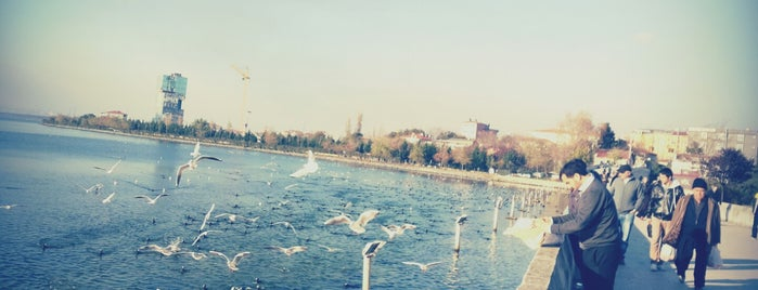 Küçükçekmece Mimar Sinan Köprüsü is one of Yunus'un Beğendiği Mekanlar.