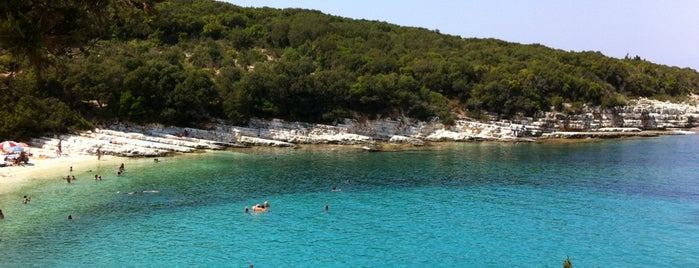 Emplysi Beach is one of Kefalonia.