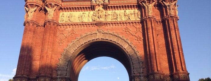 Arco del Triunfo is one of Locais curtidos por Nihan.