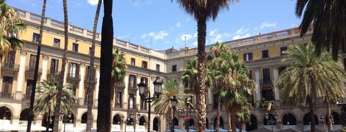 Plaça Reial is one of Locais curtidos por Nihan.