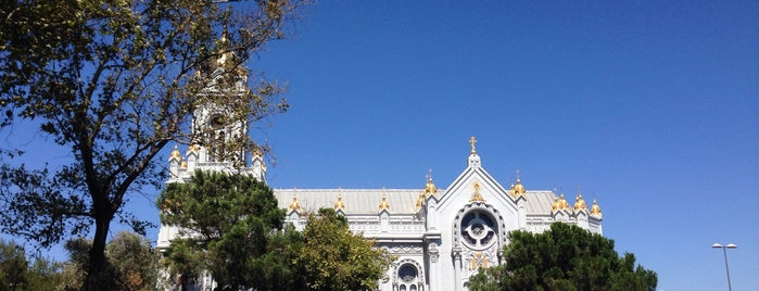 Sveti Stefan Bulgar Ortodoks Kilisesi is one of Posti che sono piaciuti a Nihan.