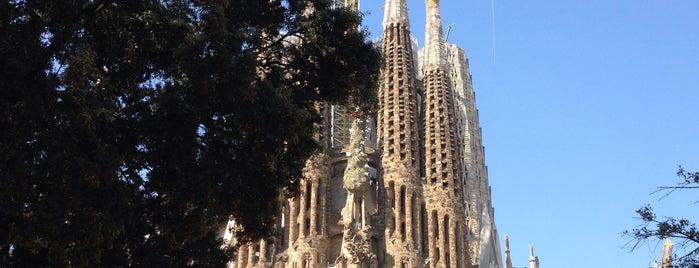 Sagrada Família is one of Locais curtidos por Nihan.