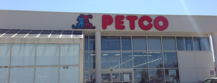 Petco is one of Tempat yang Disukai gina.