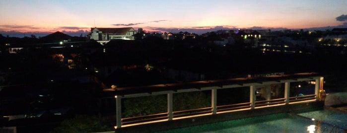 Rooftop Dine & Music Lounge is one of สถานที่ที่บันทึกไว้ของ Rika.