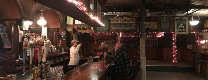 Grumpy's is one of Orte, die Mike gefallen.