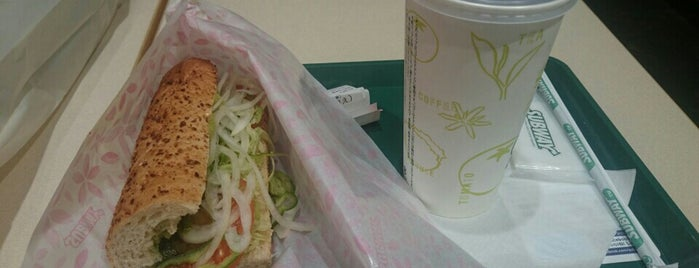 SUBWAY イオンモール広島祇園店 is one of Lugares favoritos de ZN.